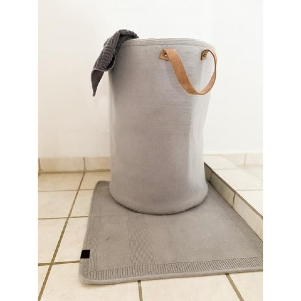 By Lohn knitted all round basket grey-01