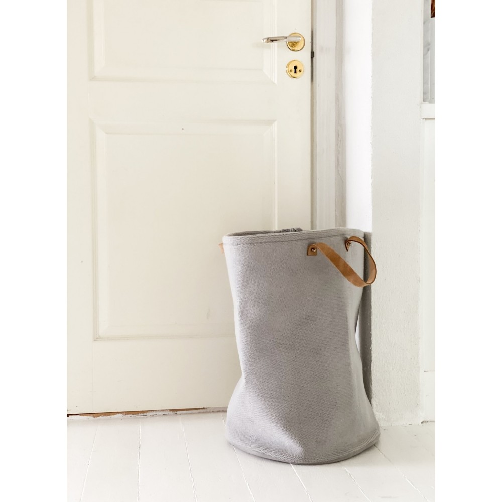 By Lohn knitted all round basket grey-31